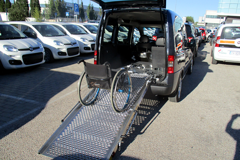 Opel Combo trasporto disabili