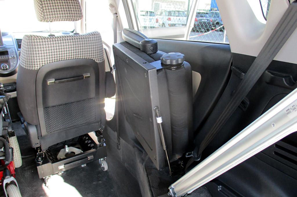 Sedili richiudibili - portellone automatico
